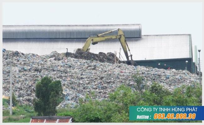 Rác thải công nghiệp ở Việt Nam đang tăng đột biến.